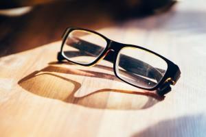 eyeglasses-933384_1280