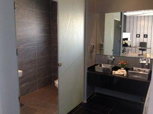 bathroom-437210_1280
