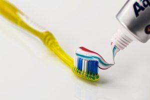 toothbrush-571741_1280(1)